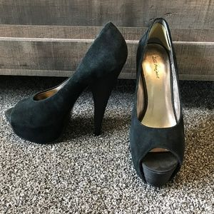 Shoes - Black Suede Platform Pumps, size 9